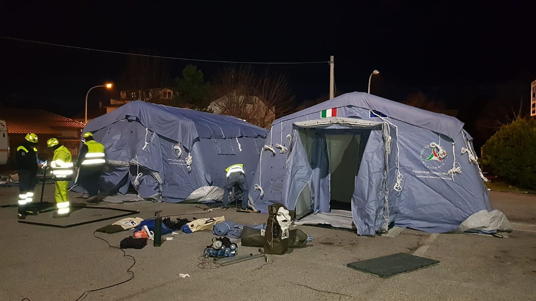 Ospedale di Pescina, allestite due tende per la gestione dell'emergenza coronavirus