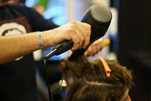 """Parrucchieri chiusi, appello della CNA """"Non rivolgetevi agli abusivi"""""""