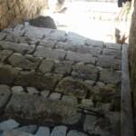 Capistrello, buone notizie per escursionisti e residenti. Ripristinata la scalinata in pietra e il collettore fognario sotto il ponte ferroviario in via Traetto