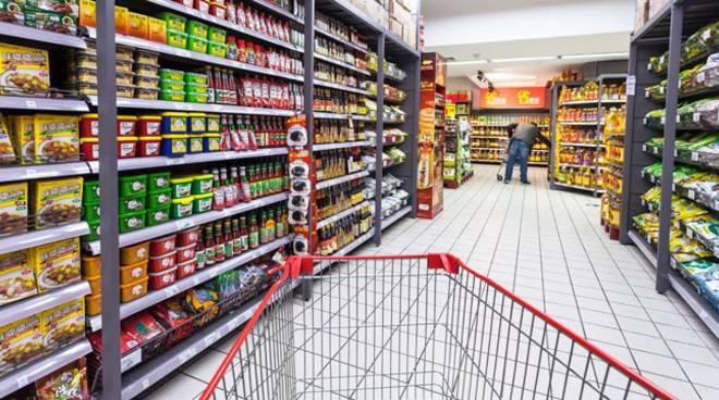Festività del 27 aprile: ad Avezzano possono rimanere aperte le attività di vendita di generi alimentari e di prima necessità