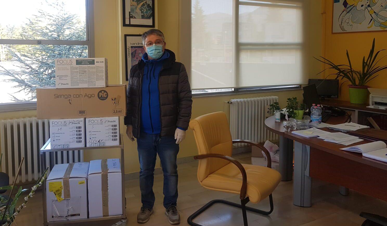 Il veterinario Ennio Di Carlo dona 10.000 guanti in lattice al Pronto Soccorso di Avezzano