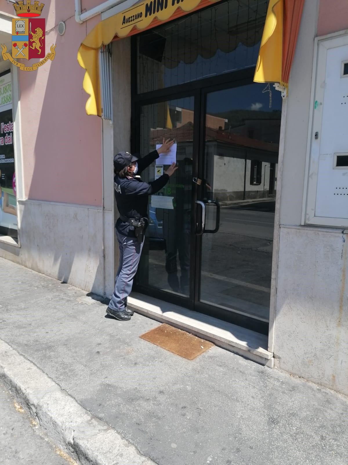 Chiuso un negozio di generi alimentari aperto per la Pietraquaria ad Avezzano, la Polizia denuncia proprietario per evasione e multa dipendente e avventori
