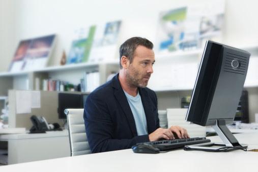 Trading online: quali sono gli strumenti per lavorare in questo settore