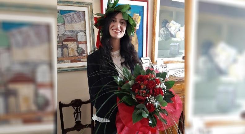 """Congratulazioni a Serena Troiani che si è laureata online in """"Economia e Management delle Istituzioni e dei Mercati Finanziari"""""""