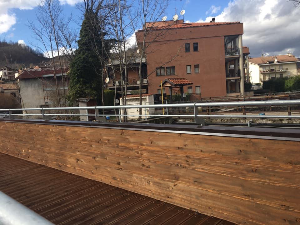 Il sindaco di Carsoli annuncia l'apertura dei due ponti di legno sul fiume Turano