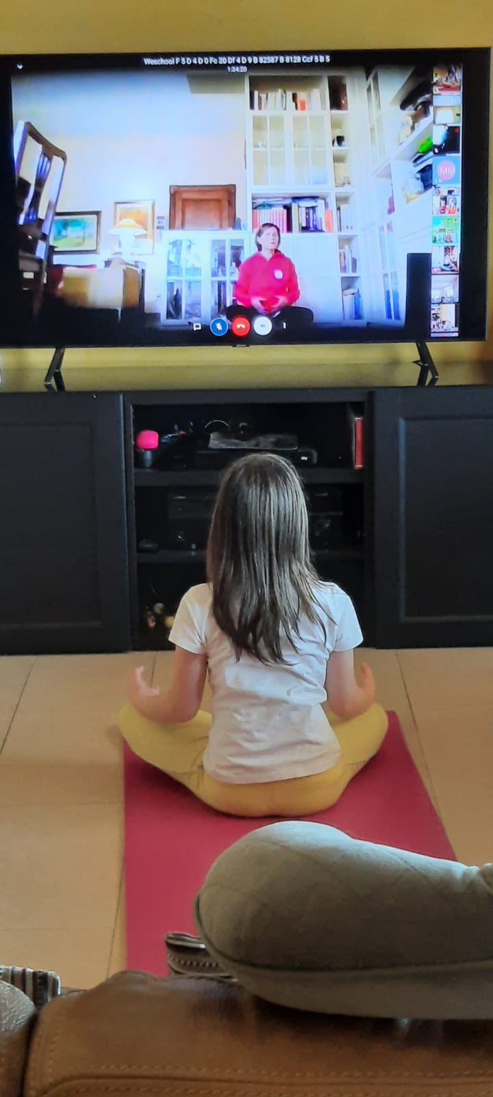 Yoga a distanza, la 3°A della scuola primaria di San Pelino non si ferma!