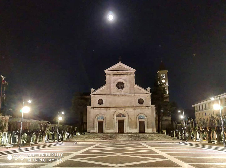 """La """"superluna dei fiori"""" illumina la città di Avezzano pronta a rinascere"""
