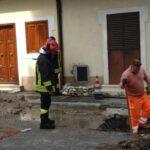 Esplode una linea gas durante operazioni di scavo