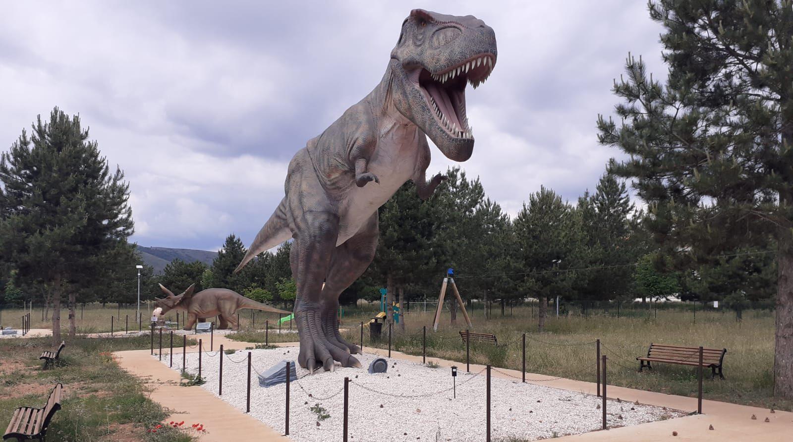 """L'Area giochi """"Dino Park"""" ancora chiusa e in attesa di manutenzione"""