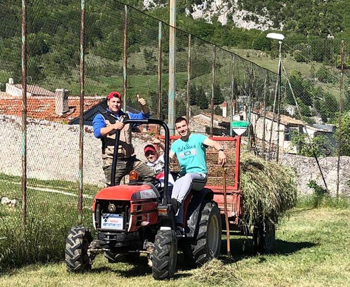 I giovani di Civita D'Antino ripuliscono le strade del paese