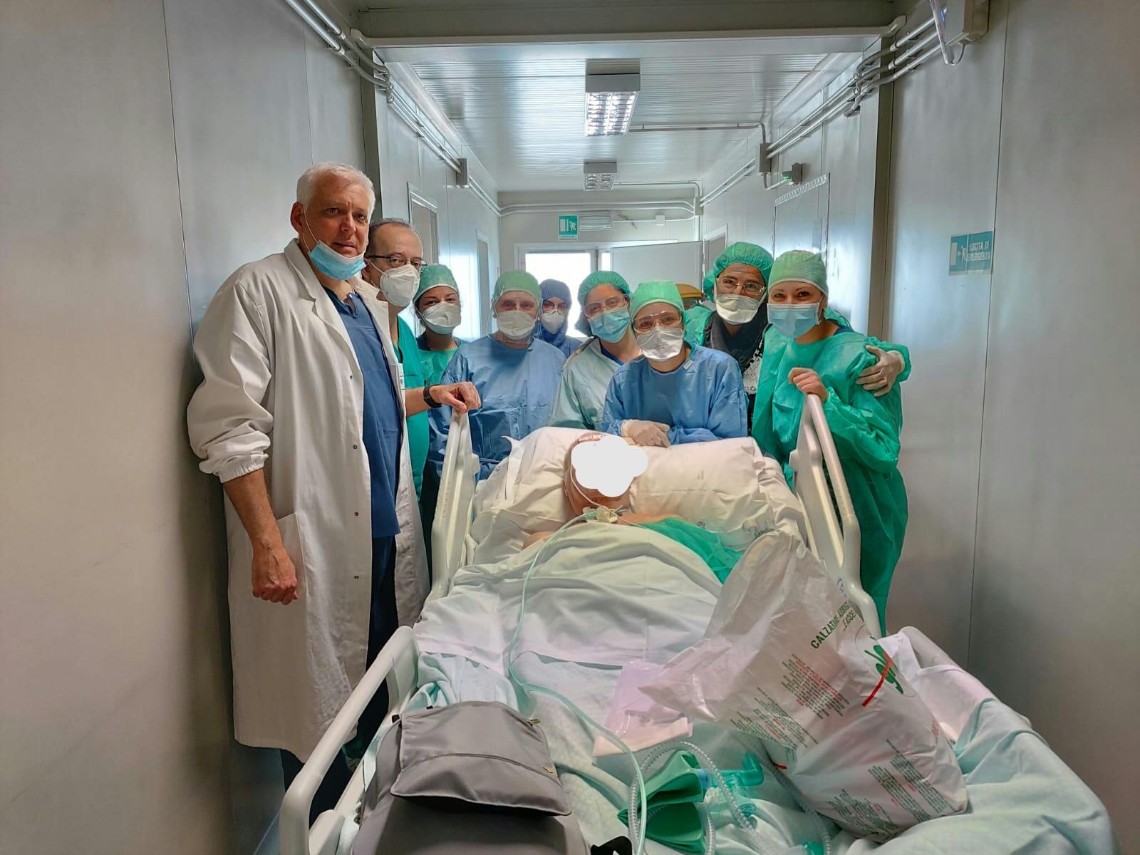 Coronavirus: l'ultimo paziente lascia la terapia intensiva del G8 di L'Aquila