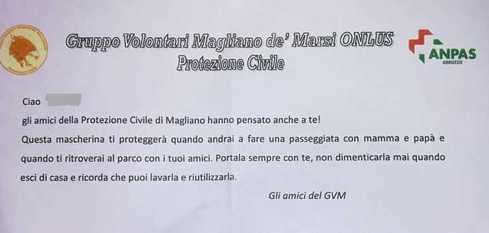 La Protezione Civile di Magliano De' Marsi consegna mascherine ai bambini