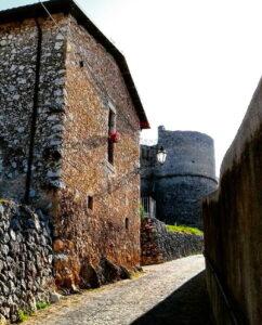 Castello Orsini di Scurcola: la Soprintendenza firma l'autorizzazione per la ripresa dei lavori