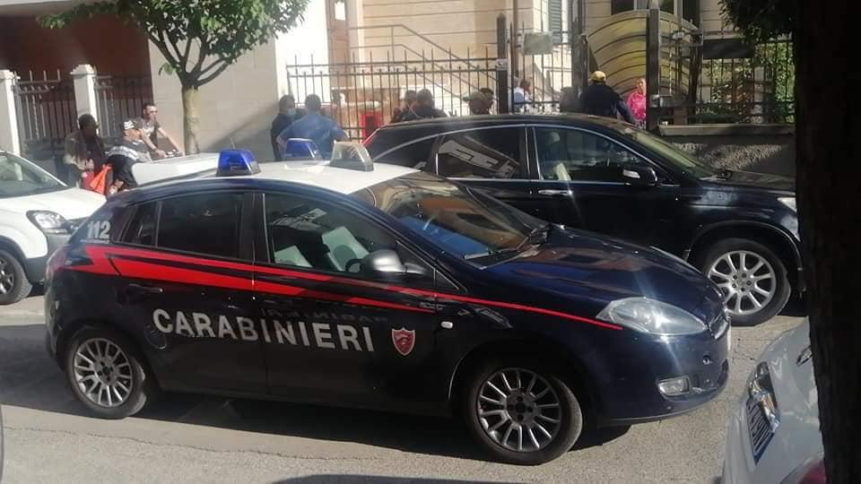 Ferisce tre carabinieri, uno in modo grave. A processo con giudizio direttissimo