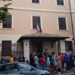 """Flash mob ad Avezzano contro la chiusura dell'istituto Sacro Cuore. """"Decreto deciso dall'alto"""""""