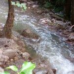 Liri, continua il fenomeno della schiuma maleodorante che da due settimane l'Emissario Claudio/Torlonia riversa nel fiume