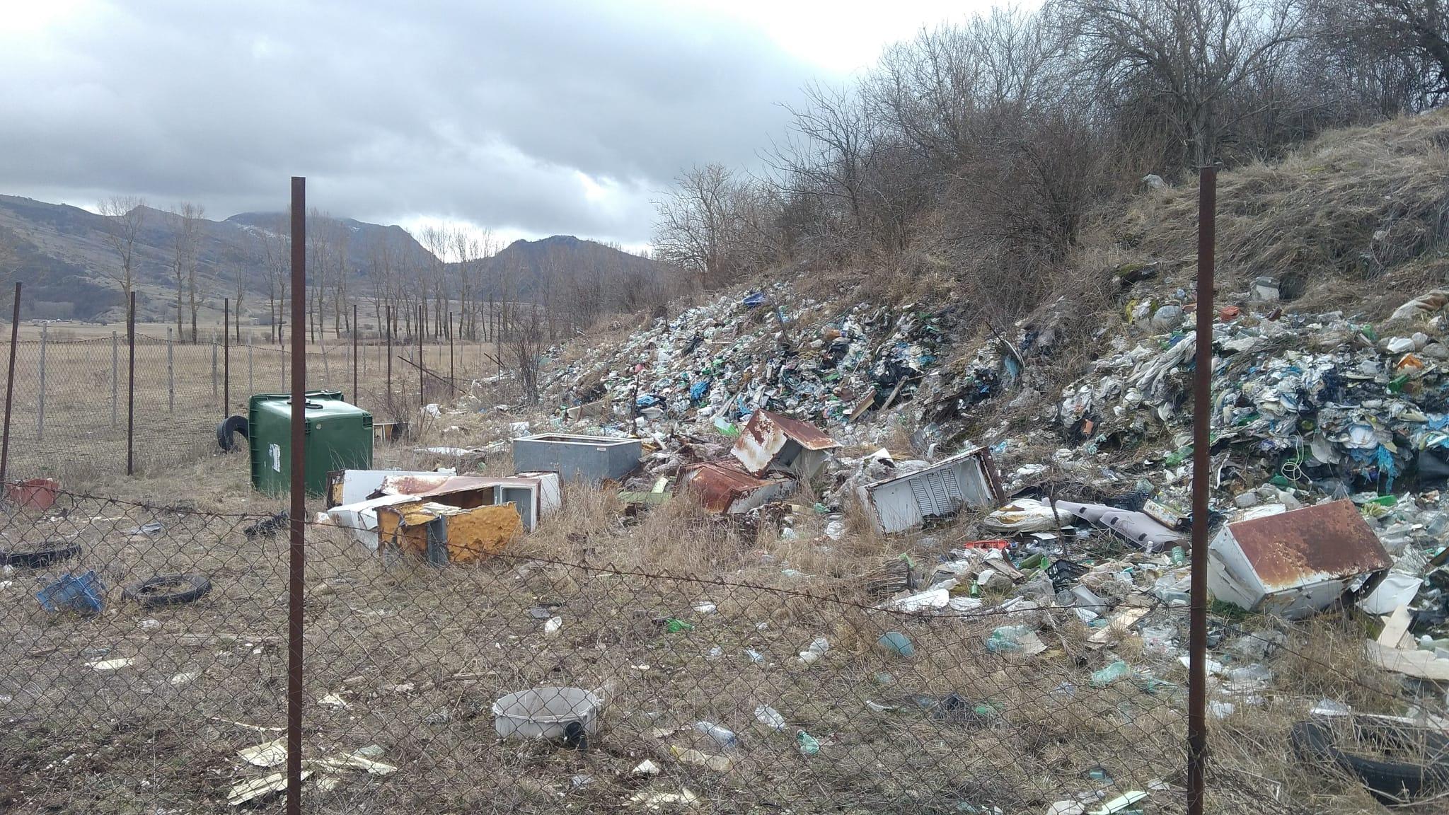 Ovindoli, cittadini segnalano aree abbandonate e discariche a cielo aperto