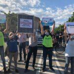 """Fare Verde accoglie Salvini con un pannello fotovoltaico, """"le energie pulite sono una questione molto seria che non ammette svarioni"""""""