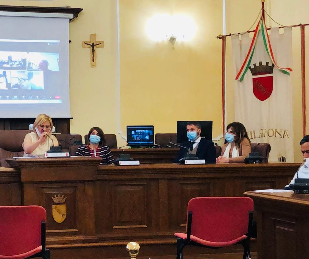 Sindaci abruzzesi e laziali a Sulmona per il rilancio delle zone interne e la velocizzazione della linea ferroviaria Roma-Pescara