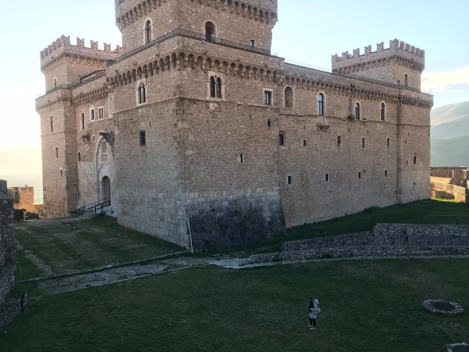 Oggi riapre il Castello Piccolomini di Celano, ecco gli orari e le regole