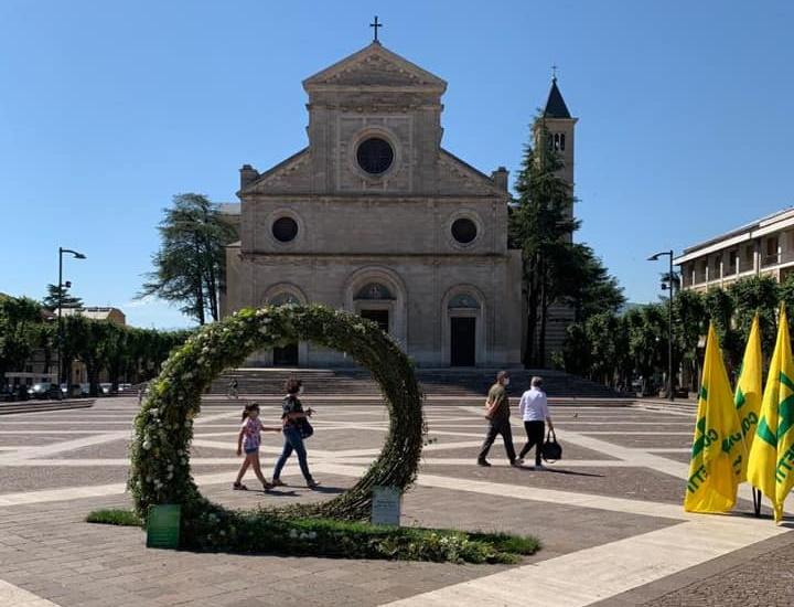 Giardini per un giorno. Un vortice di fiori in Piazza Risorgimento per sostenere i vivaisti italiani