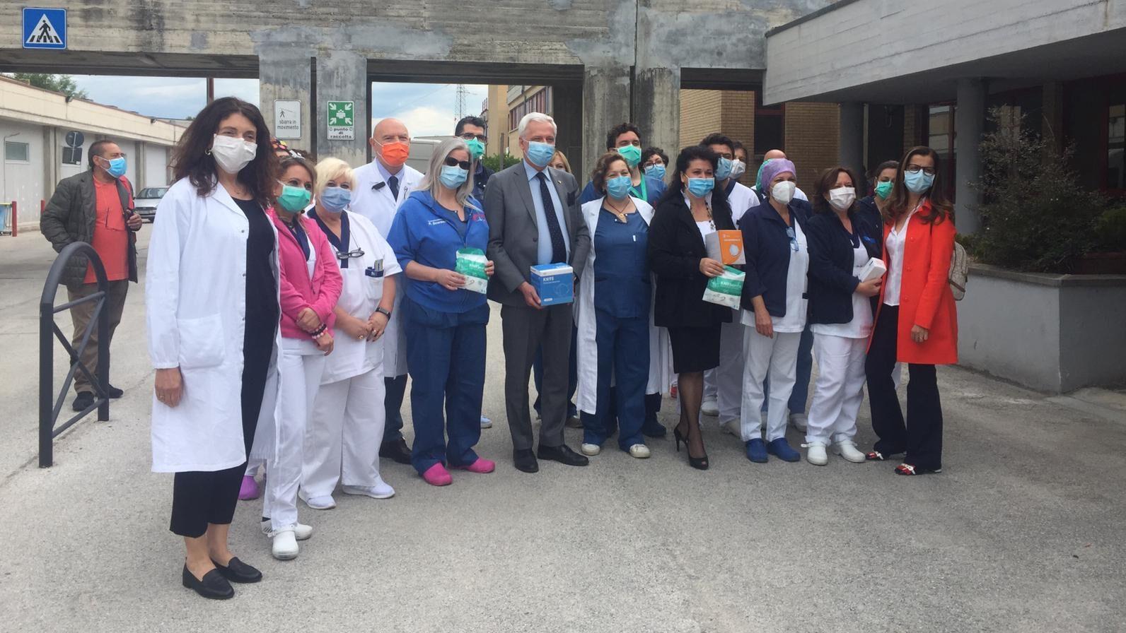 Donate 500 mascherine all'ordine delle professioni infermieristiche all'ospedale di L'Aquila