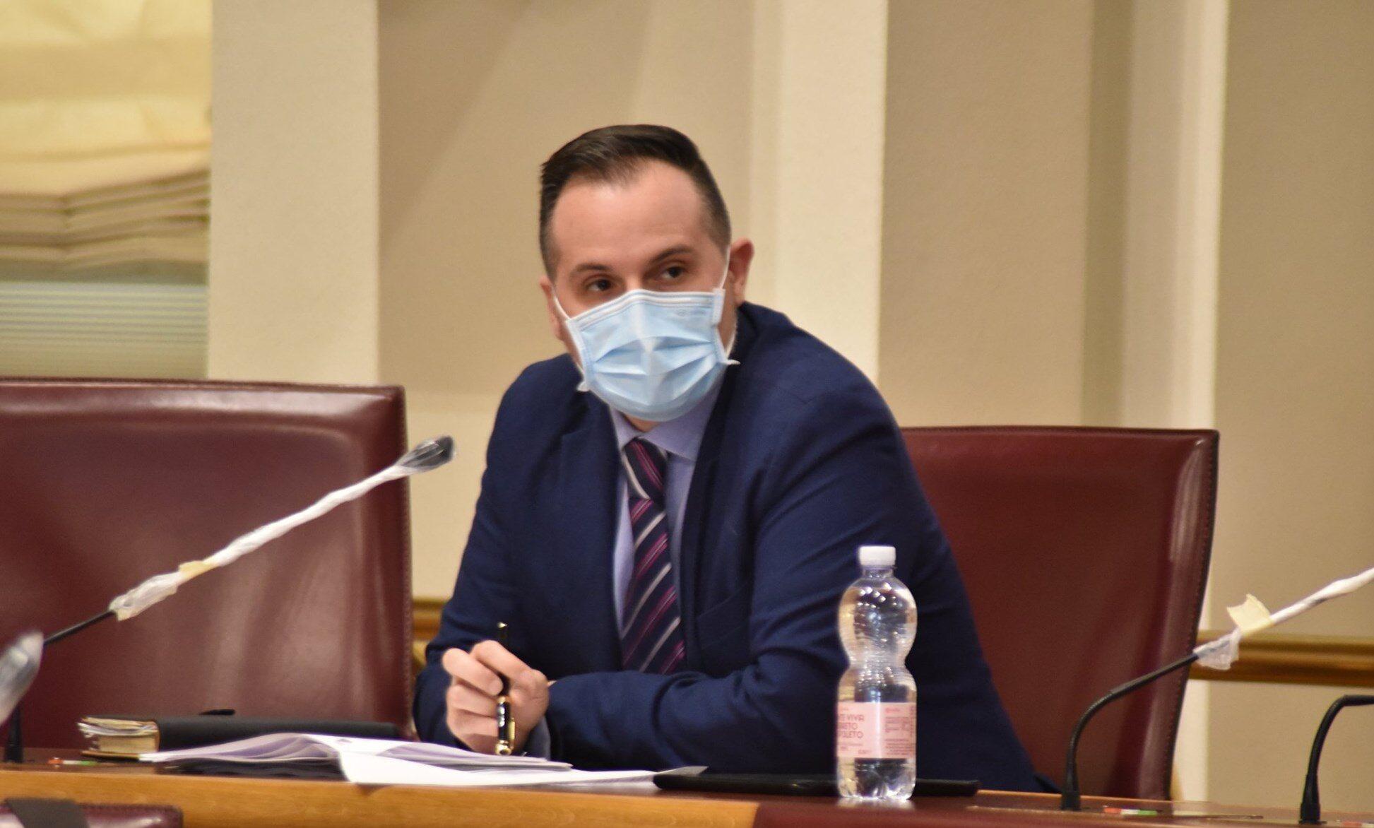 """Giorgio Fedele su ASL1 """"D'Eramo si è svegliato dal torpore ma forse dimentica che l'assessore alla Sanità che deve gestire e controllare le Asl è della sua stessa forza politica"""""""