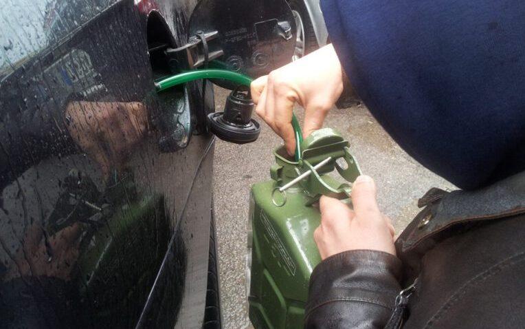 Pineta di Avezzano: furti e danneggiamenti alle auto parcheggiate