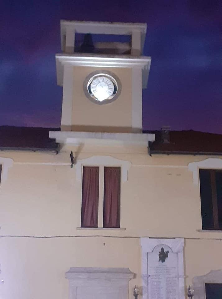 San Benedetto dei Marsi, restaurato l'antico orologio sulla torretta dell'ex Municipio
