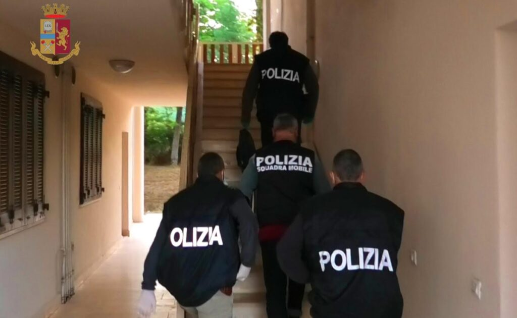 Morti per overdose, numerosi arresti e sequestrato circa mezzo chilo di eroina (VIDEO)