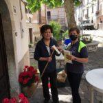 Sante Marie, i volontari della Protezione Civile distribuiscono le mascherine donate dalla Pro Loco