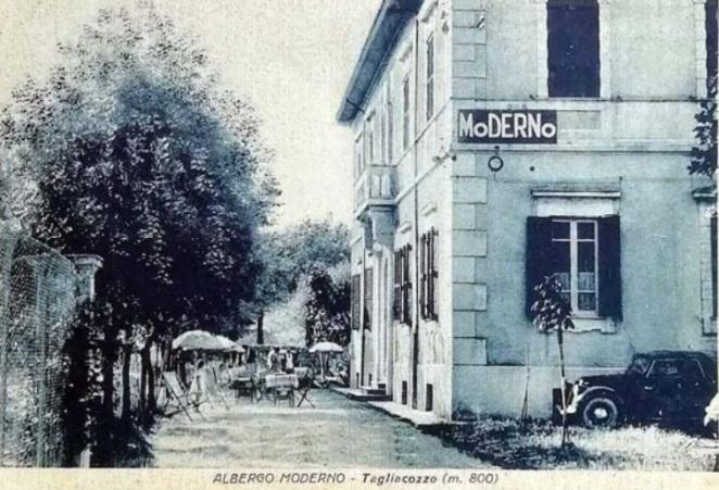 La cartolina delle attrici, storia di una cartolina spedita nel 1943 dall'Albergo Moderno di Tagliacozzo