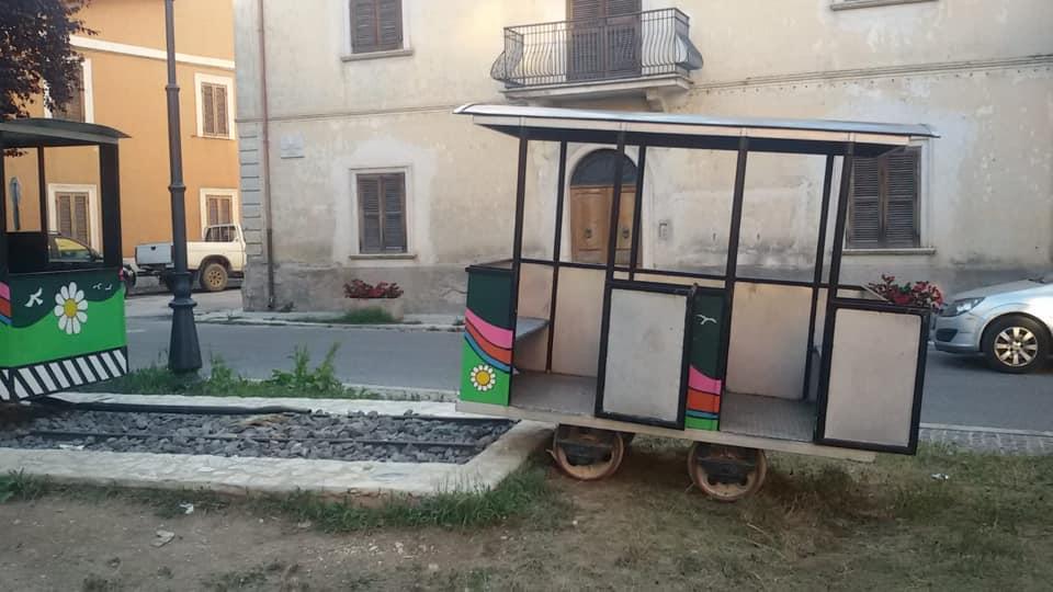 Tagliacozzo, danneggiato il trenino simbolo del paese