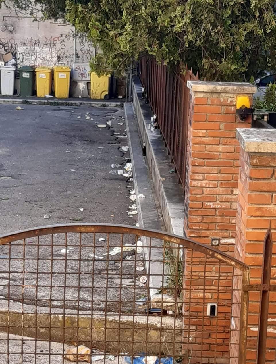 Degrado al centro di Avezzano tra alcol, schiamazzi ed insulti ai residenti