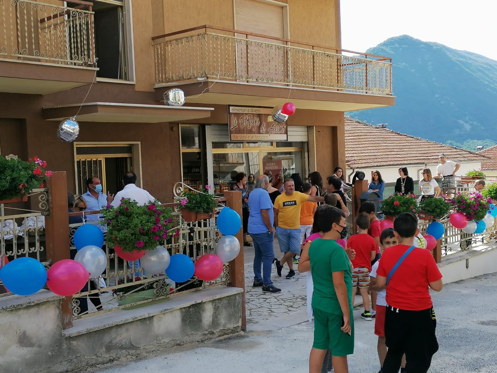 """Riapre il vecchio mini-market nel piccolo borgo di Canistro Superiore, il """"valore"""" da difendere"""