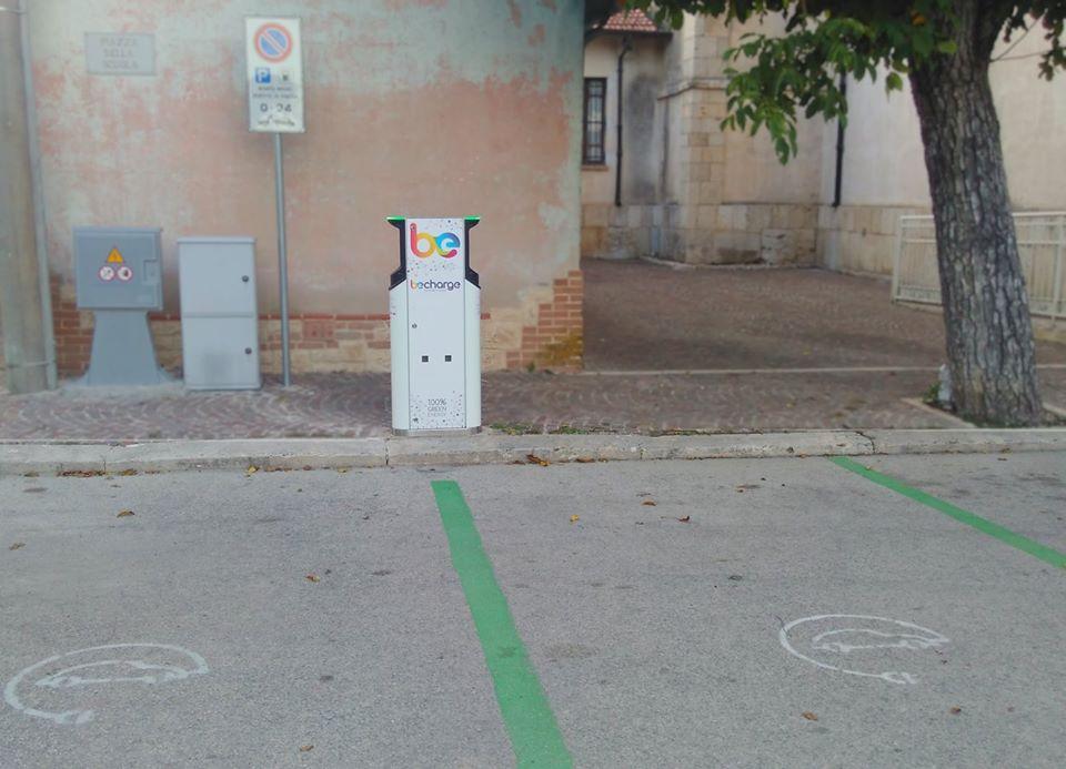 Attivati due punti di ricarica per auto elettriche in piazza ad Alba Fucens