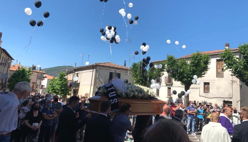 L'addio di Collelongo al consigliere Luca Grande