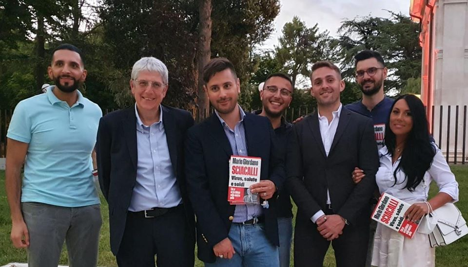 Mario Giordano presente al Consiglio Regionale di L'Aquila per la presentazione del suo nuovo libro