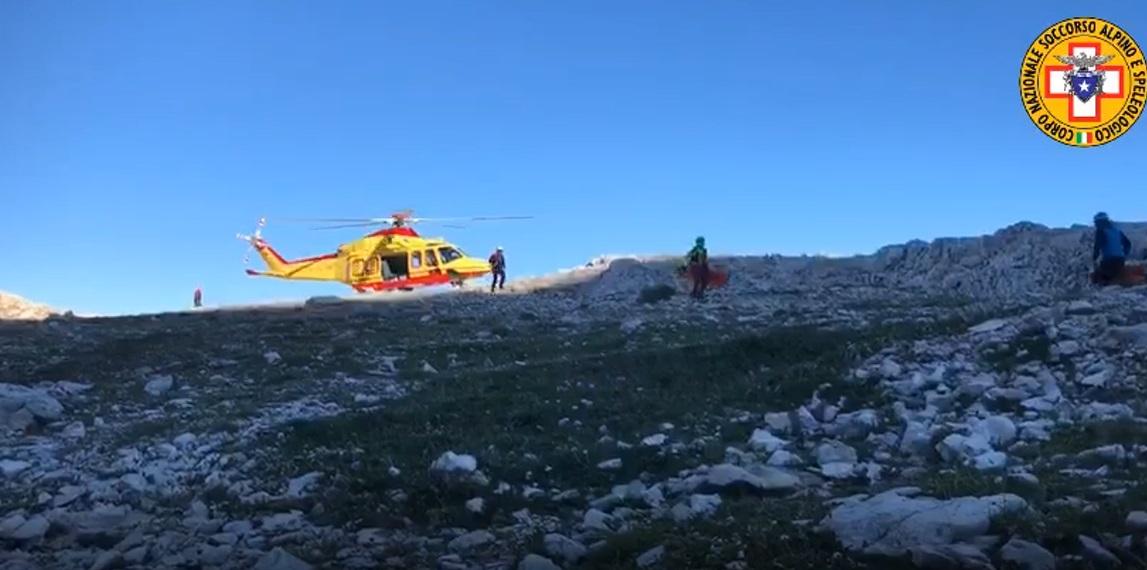 Gran Sasso: malore sulla via Normale, elicottero in volo dalle prime luci dell'alba