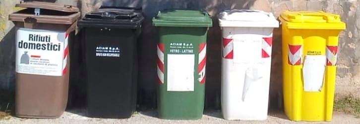 Lecce nei Marsi: mastelli riservati ai turisti per la raccolta differenziata dei rifiuti