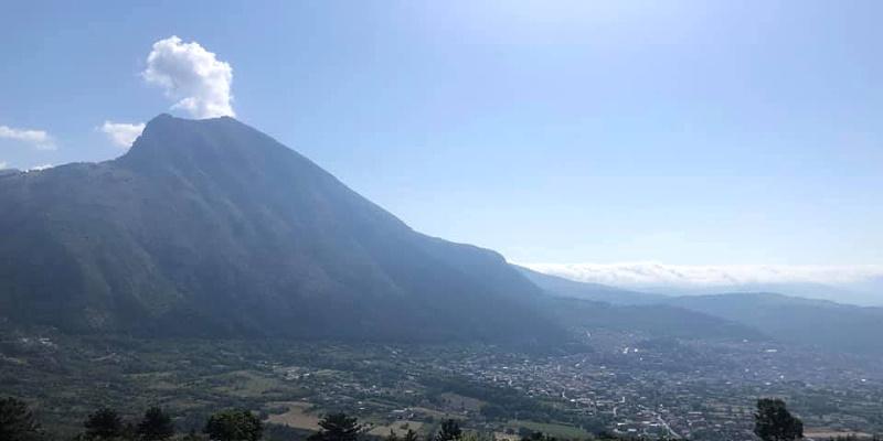 Il Monte Serra di Celano tramutato in un vulcano