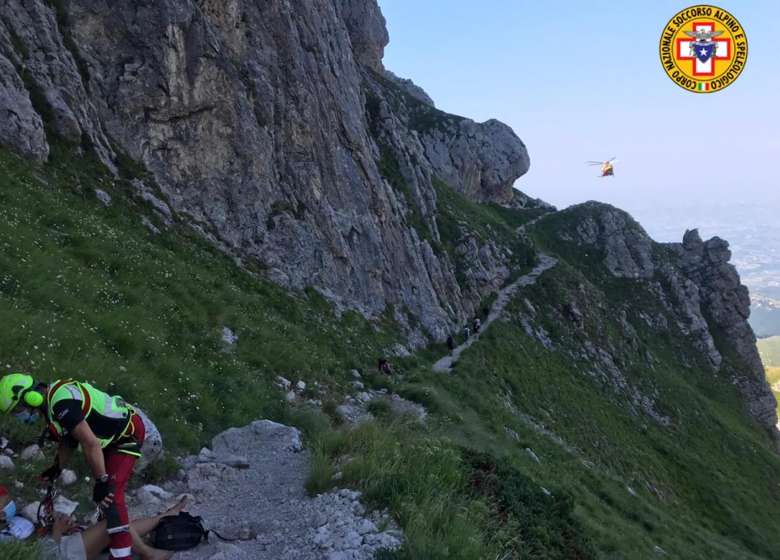 Si ferisce durante un'escursione al rifugio Franchetti sul Gran Sasso, immediato l'intervento del Soccorso Alpino e del 118