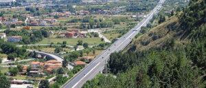 Nuovo cantiere sulla Superstrada del Liri: deviazione per il tratto compreso tra gli svincoli di Civitella Roveto e Civita D'Antino