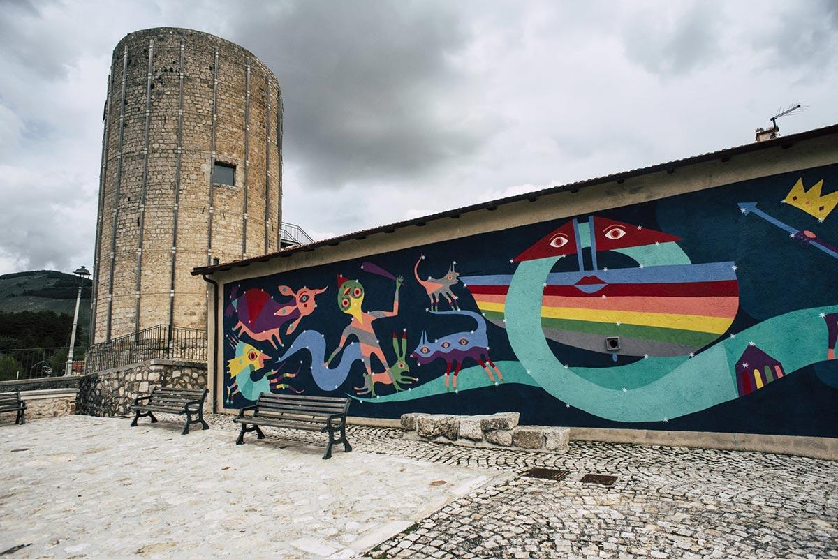 Borgo Universo 2020, street art e tour dei murales nel Borgo Medievale di Aielli