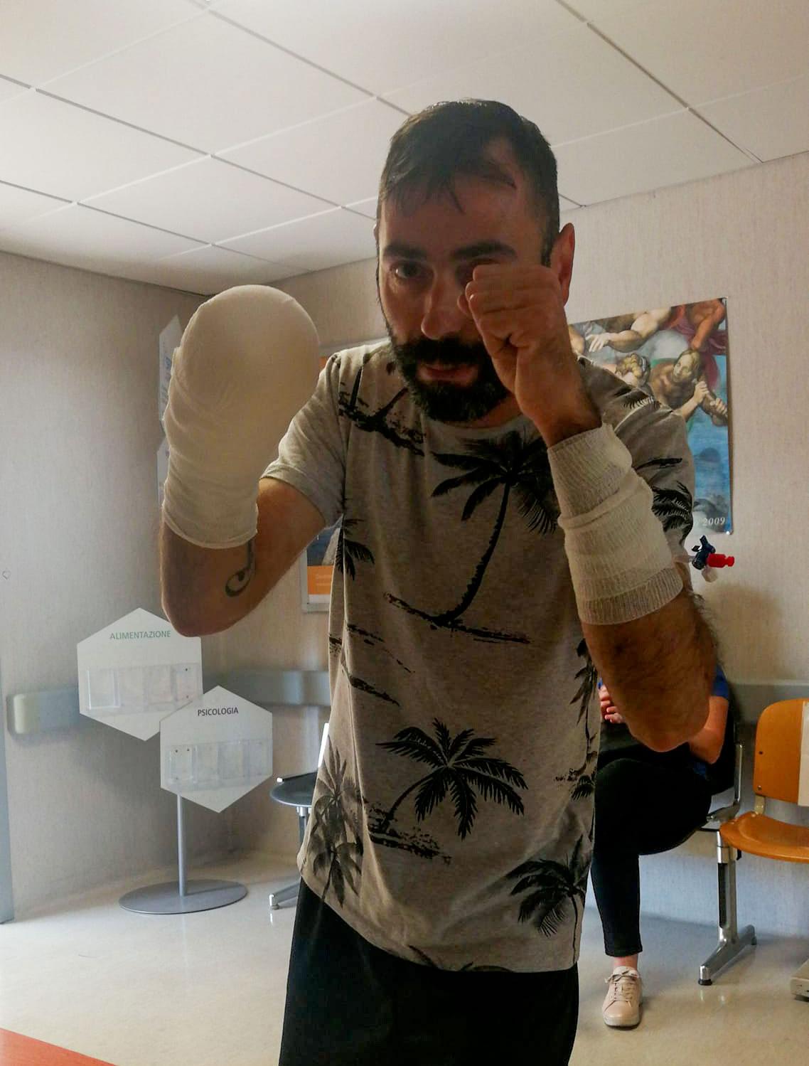 La reazione di forza e coraggio di Natalino dopo l'incidente sul lavoro