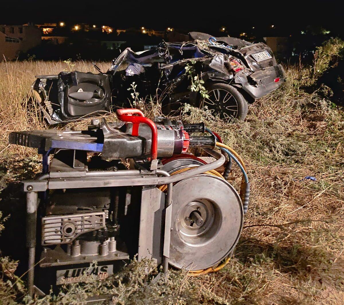 """Incidente e morte di Gianluca Spuches. La moglie presenta un esposto: """"c'era una seconda auto"""""""