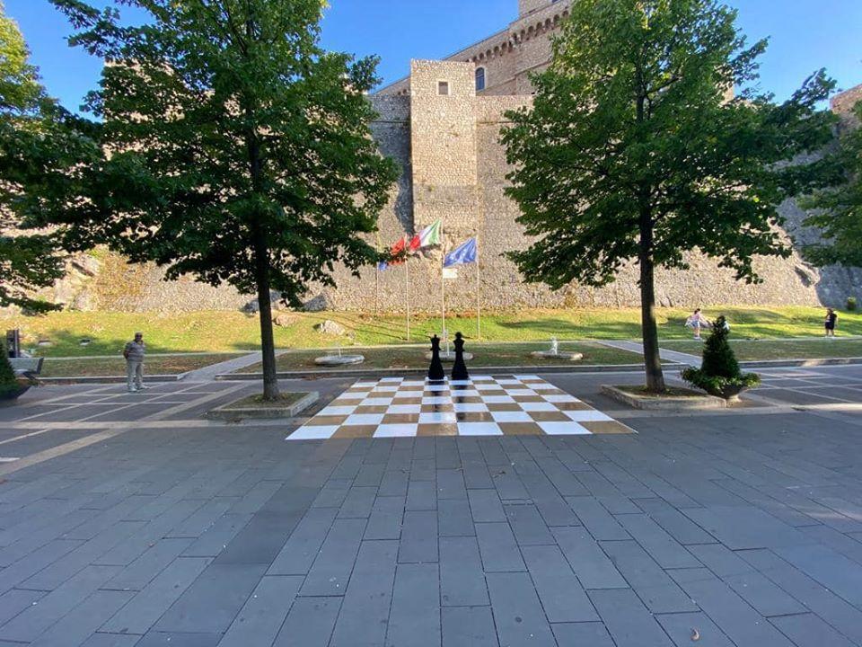 Il Re e la Regina lungo il Parco delle Rimembranze del Castello Piccolomini di Celano