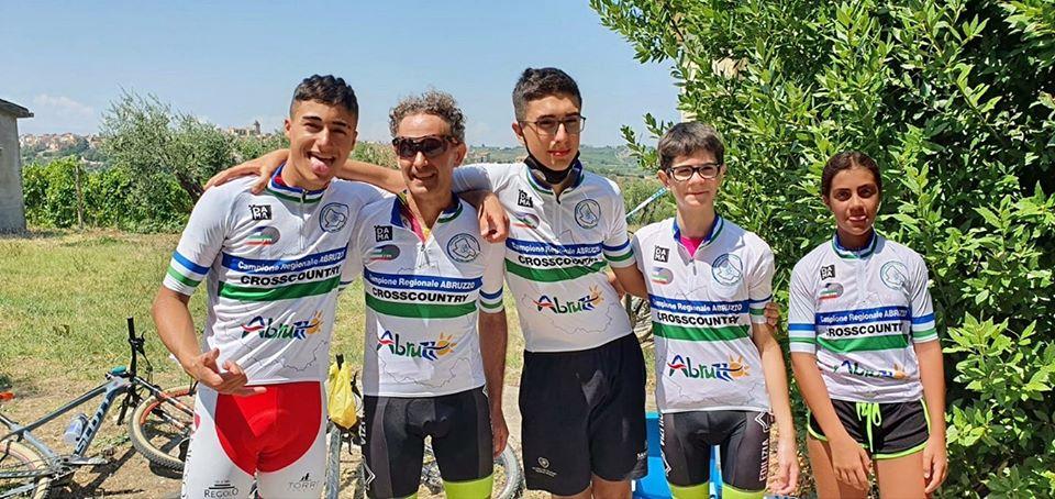 Campionato regionale di mountain bike, cinque avezzanesi sul primo gradino del podio