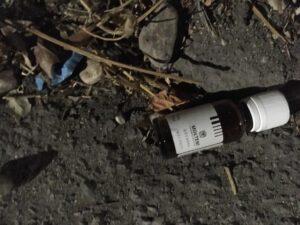 Avezzano, siringhe usate e flaconi di metadone gettati a terra su Via Madonna del Passo