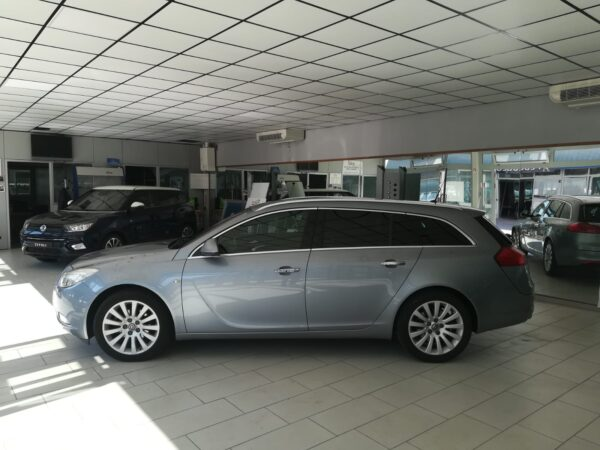 OPEL INSIGNIA 2.0 TDCI SPORTS TOURER